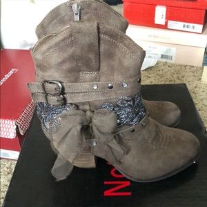 Shoes - Cute ankle boots